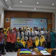 Seminar Literasi Digital bagi Orang Tua untuk Mewujudkan Ketahanan Keluarga